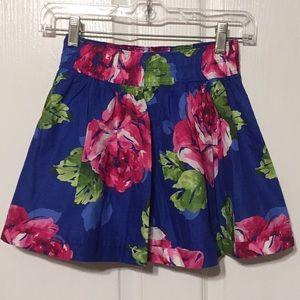 Gilly Hicks Sz XS NWT floral skirt